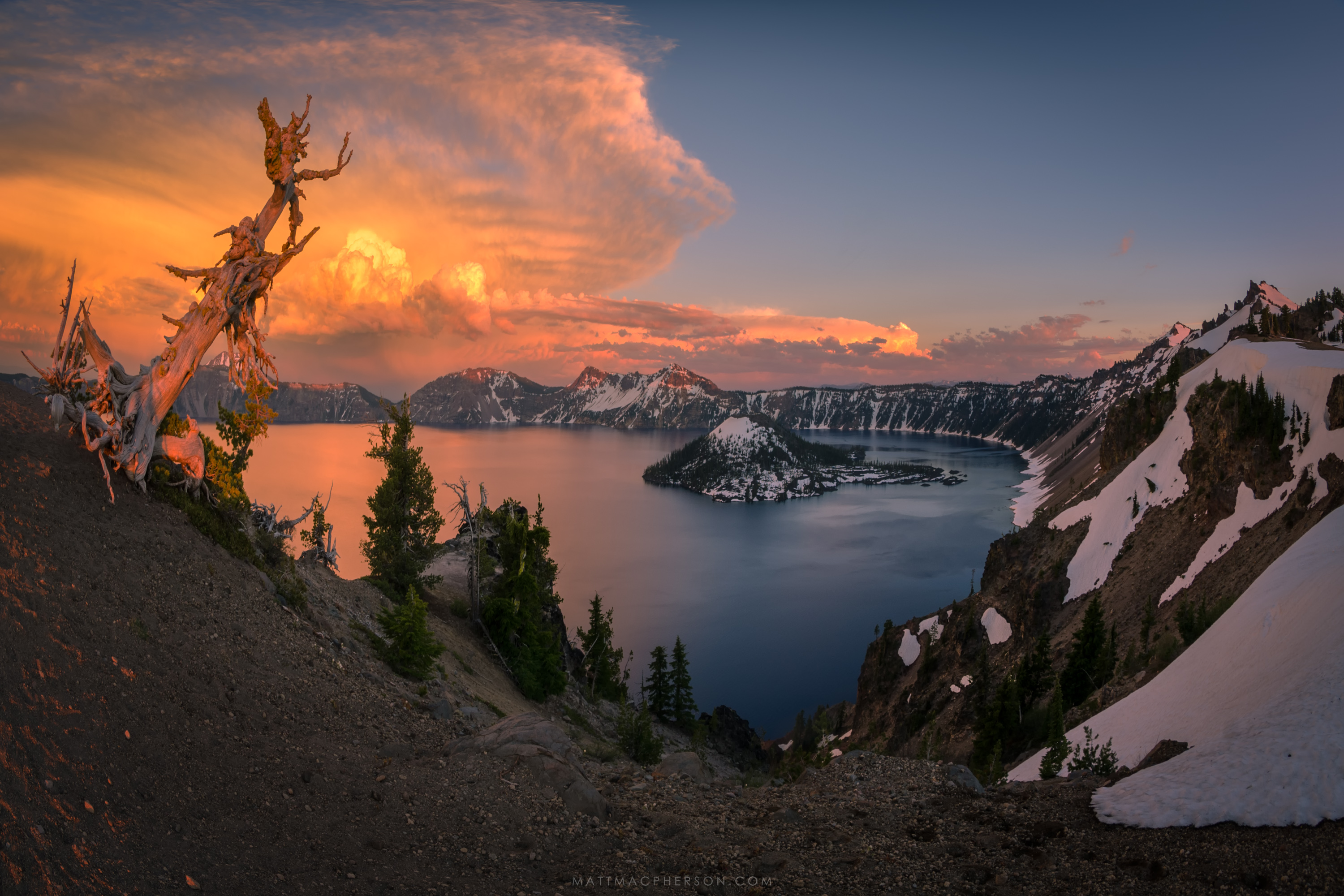 Fascinating to see how the different cloud types catch the light - Crater Lake, Oregon [OC][3000x2000]